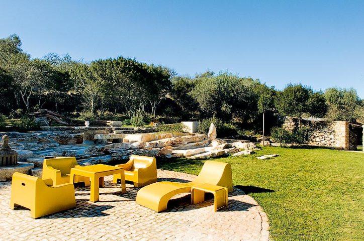Villa Pedra — Medlar-Tree House garden