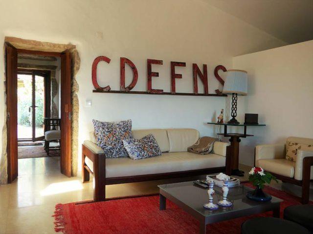 Villa Pedra — Almond-Tree House living room