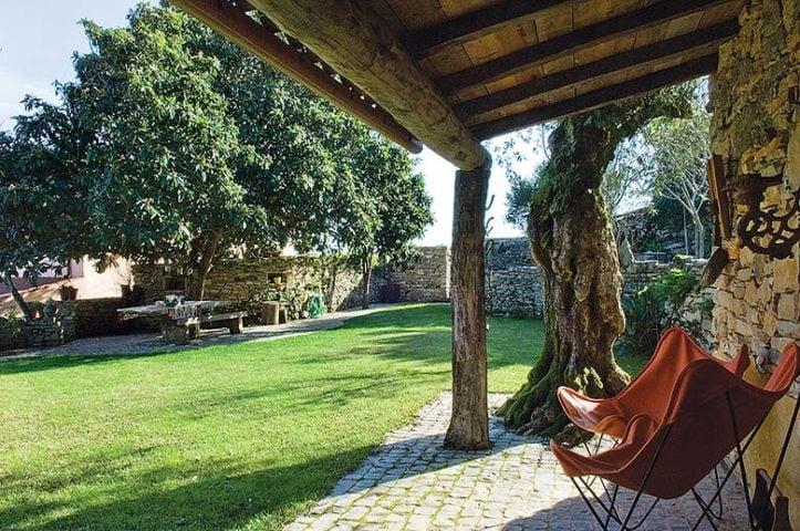 Villa Pedra — Almond-Tree House terrace
