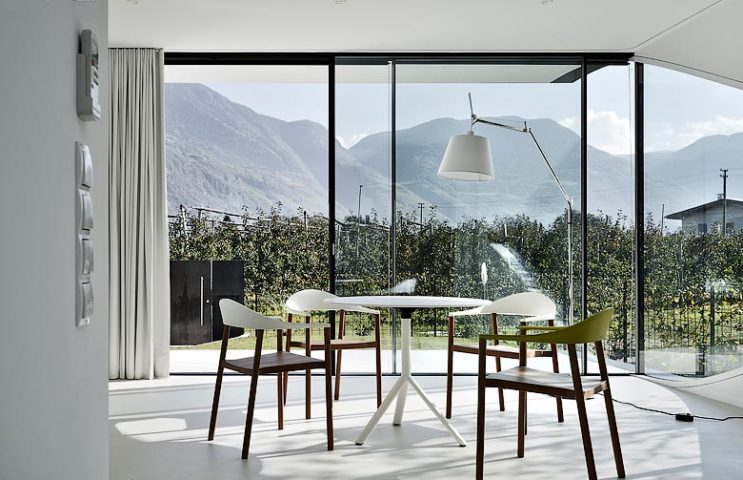 Mirror Houses — Dining area
