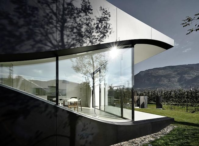 Mirror Houses — Facade and view