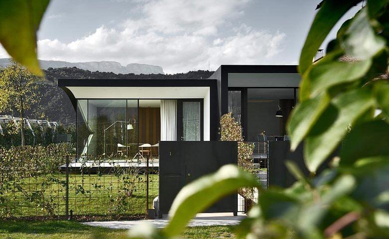 Mirror Houses — Garden