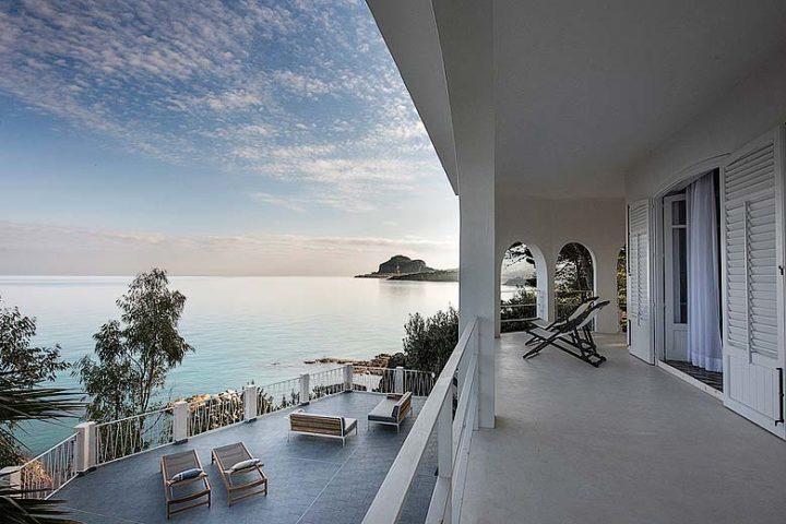 Villa on the Cliff — Villa on the Cliff