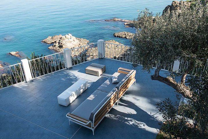 Villa on the Cliff — Terrace