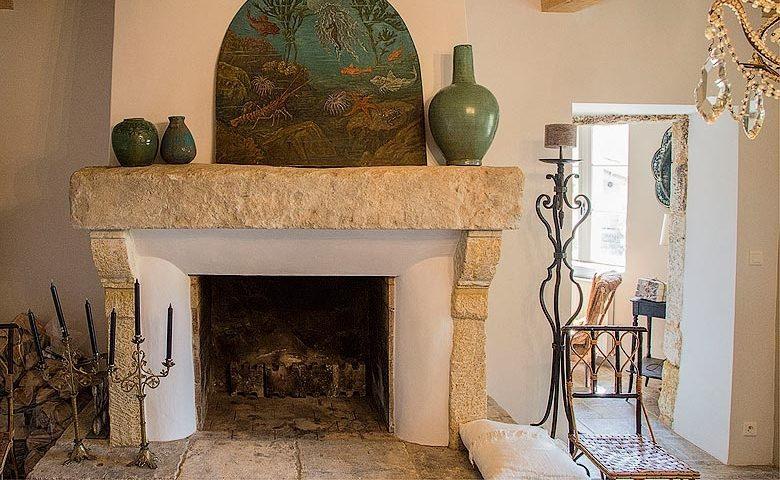Ad Austrum — Fireplace