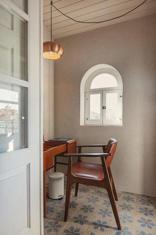 Porto Suites — King Grand Deluxe Garden Suite - 3rd floor