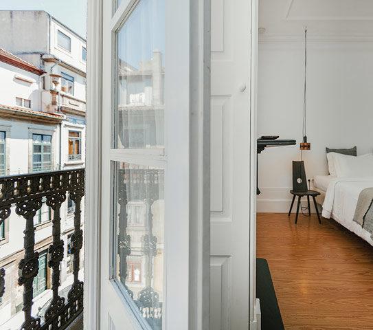 Porto Suites — Queen Deluxe City Suite