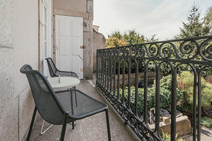 Porto Suites — King Grand Deluxe Garden Suite - 1st floor