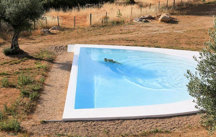 Casas Caiadas — Pool area