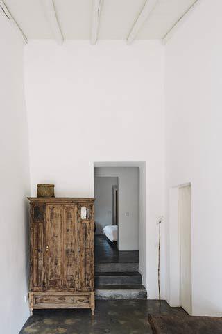 Casas Caiadas — Casa Caiada hallway