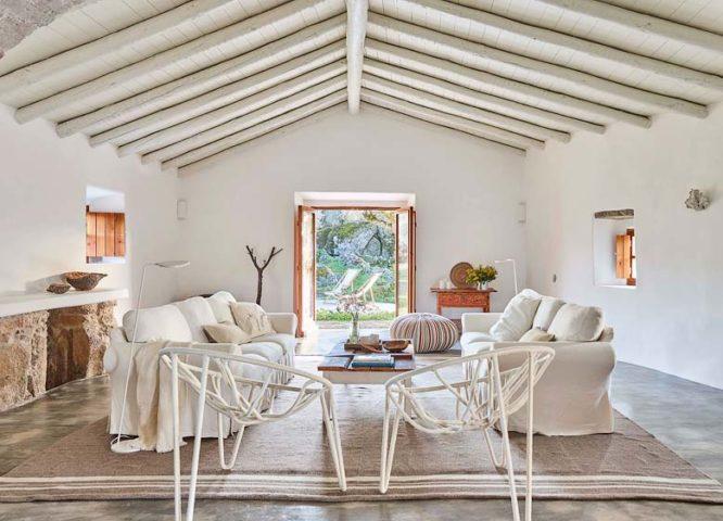 Casas Caiadas — Social house living area