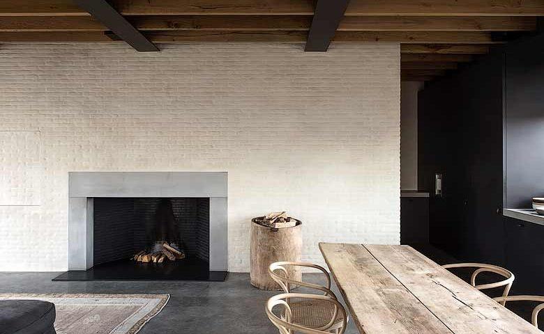 Graanmarkt 13 — Fireplace