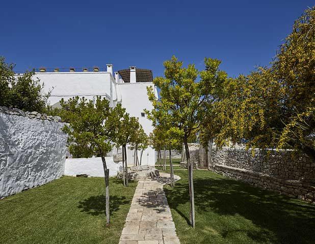 Masseria Petrarolo — The gardens