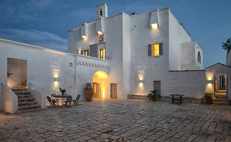 Masseria Petrarolo — Courtyard