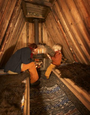 Kolarbyn — Inside a hut at Kolarbyn