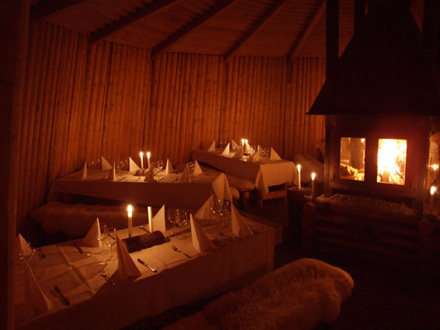 Kolarbyn — Dinner by the fire