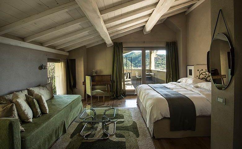 Locanda al Colle — Aurora Deluxe bedroom