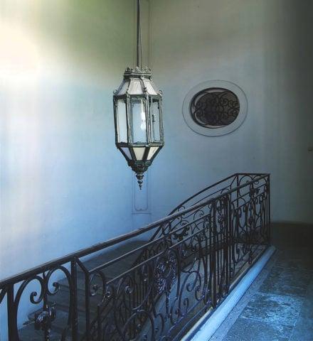 42 Rue Victor Hugo — 42 Rue Victor Hugo staircase