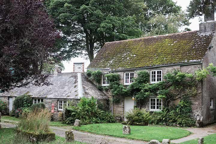 Botelet Cottages — Manor cottage