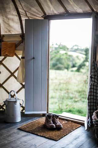 Botelet Yurt — Entrance