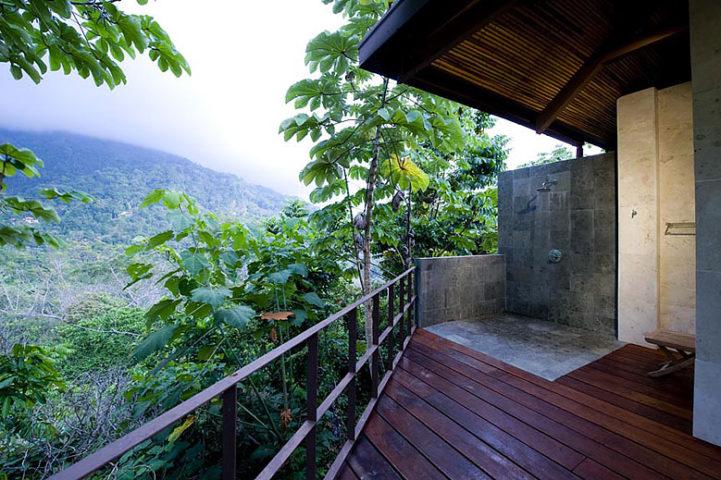 Villa Mayana — Alfresco shower