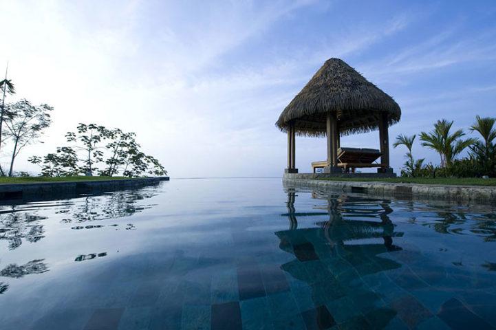 Villa Mayana — Pool