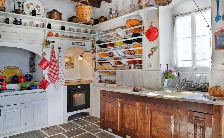 Psacharopoulos House — Kitchen