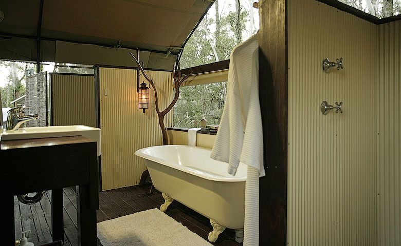 Paperbark Camp — Deluxe Safari Tent bathroom