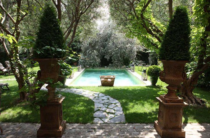 Jardins Secrets — Garden and pool