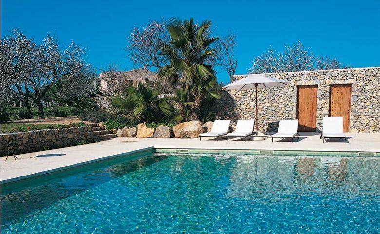 Farmhouse Hotel & Spa — Swimming pool
