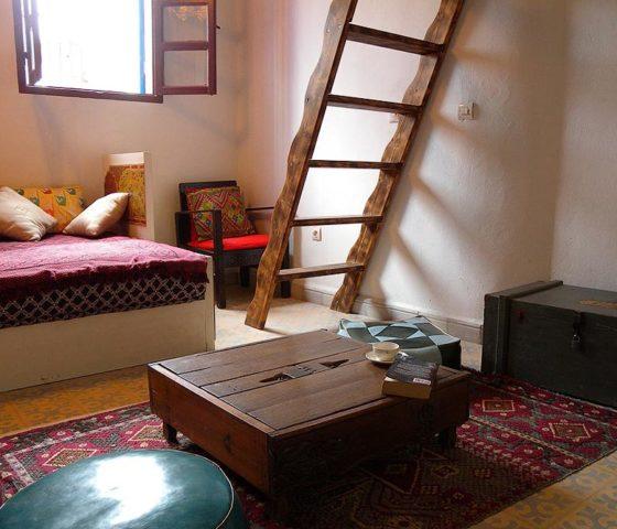 Dar 91 — Tlata living room