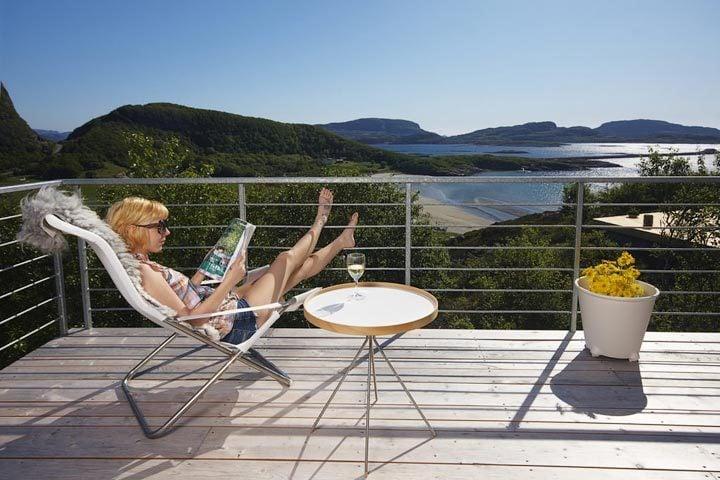 Stokkøya Beach Hotel — Coastal House terrace