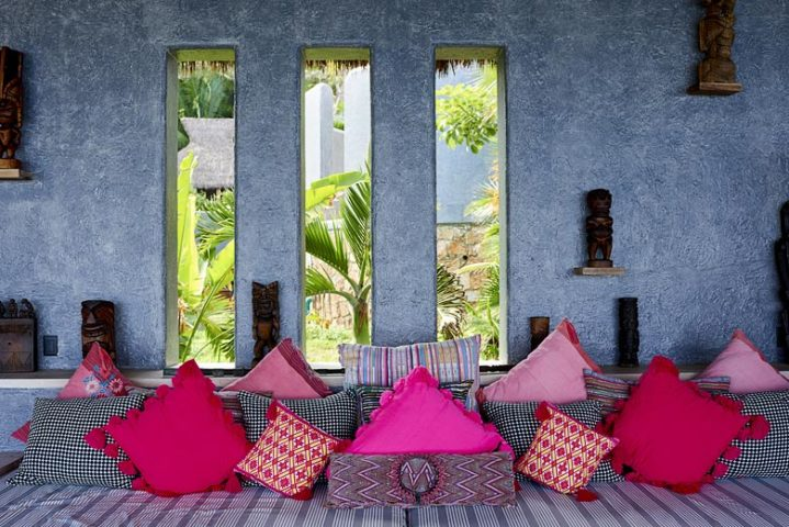TeiTiare Estate — Casa O'Te Miti poolside seating