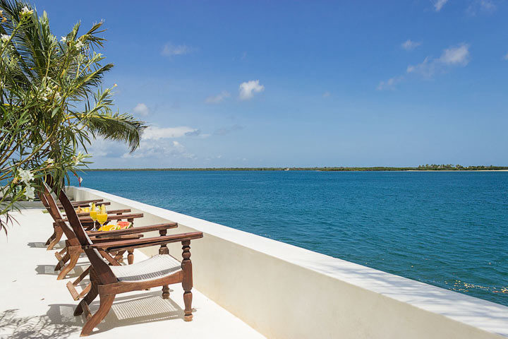 Forodhani House — Living area terrace
