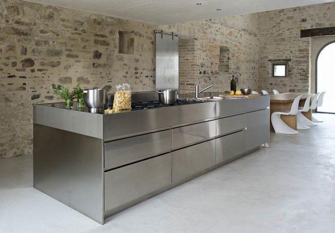 Le Marche Villa — Kitchen