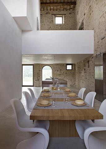 Le Marche Villa — Dining area