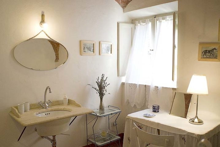 Chianti Villa — La Corta bathroom