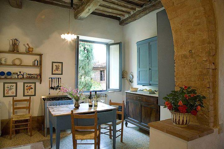 Chianti Villa — Tinaione kitchen