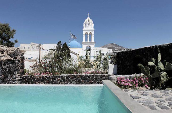 Villa Santorini II — Pool area and view