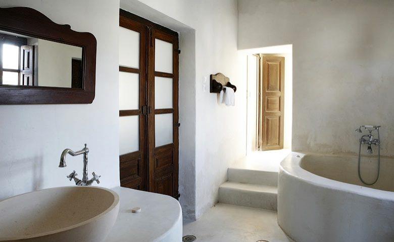 Villa Santorini II — Bathroom