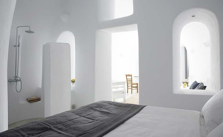 Oia Villa I — En-suite bathroom