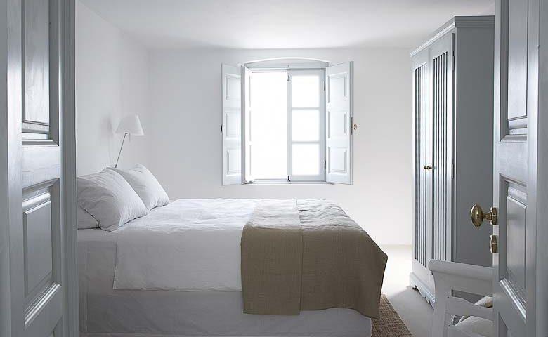 Imerovigli Villa — Second bedroom