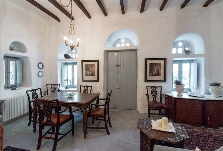 Cyclades Villa — Dining area