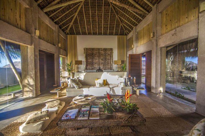 Kenoa Beach Spa & Resort — Lobby area