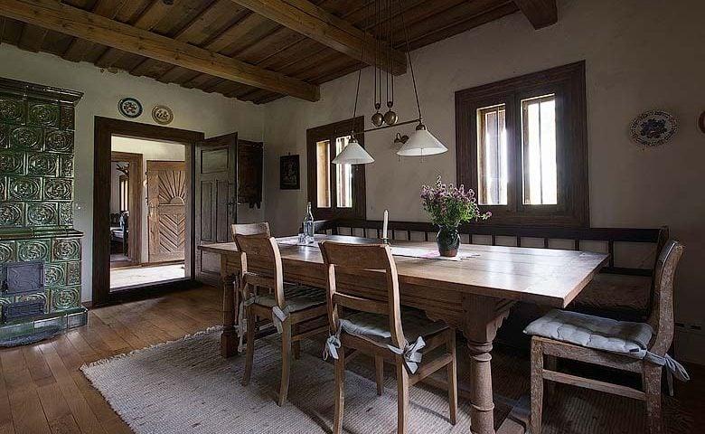 Palaga Lodge — Dining area