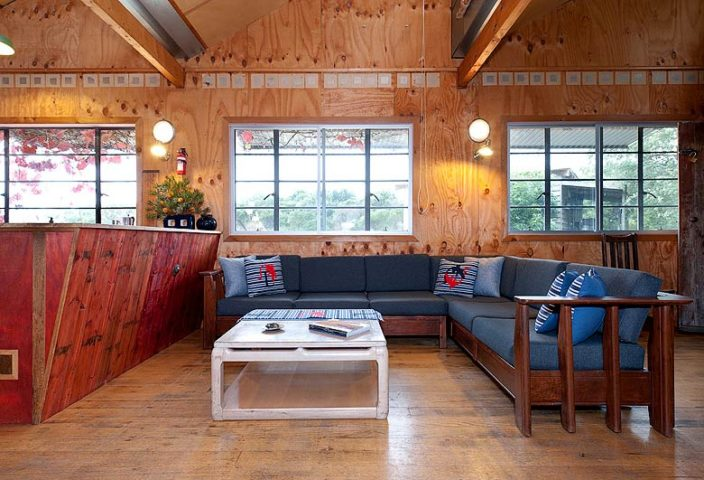Walkerville Shack — Open plan living area