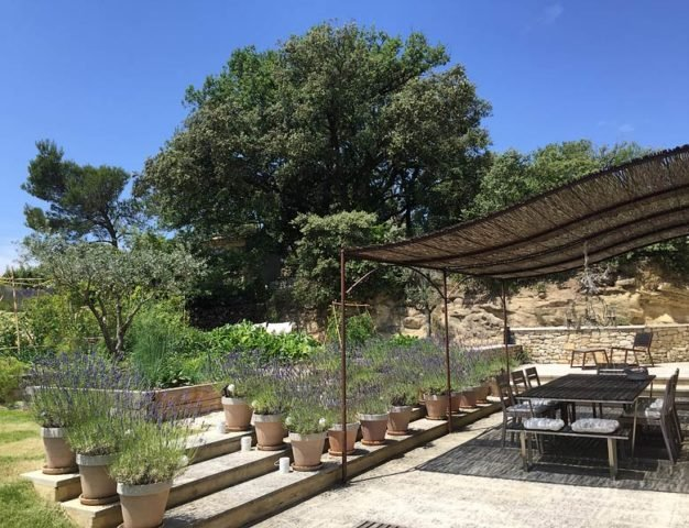 Ferme du Vigneron — Terrace and vegetable garden