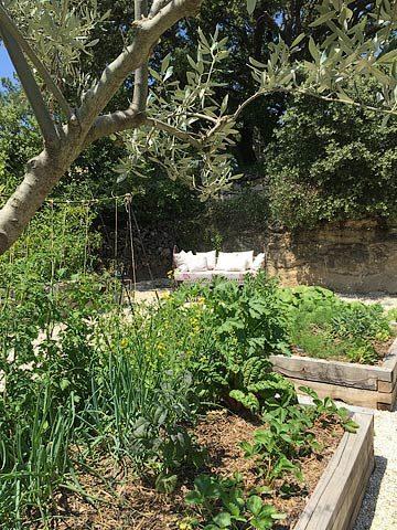 Ferme du Vigneron — Vegetable garden daybed