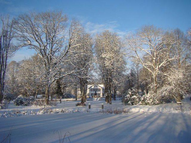 Småland Manor — Manor exterior in winter
