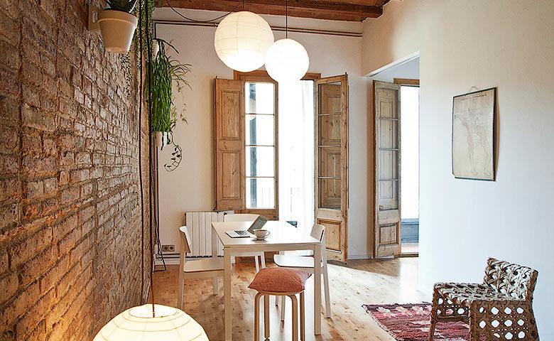 Eixample Apartment — Dining area